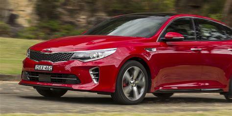 Compare Hyundai Sonata To Kia Optima Kia Optima Gt V Hyundai Sonata Premium Comparison Review