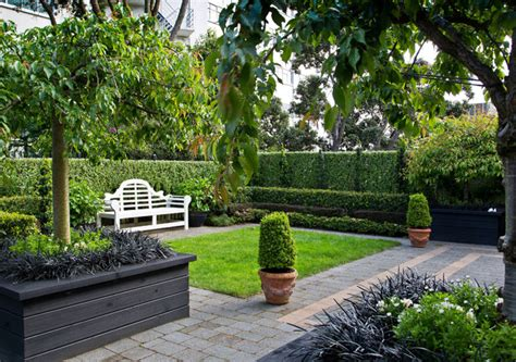 Thorndon A Garden Apartment In The City Traditional Apartment Landscape Design