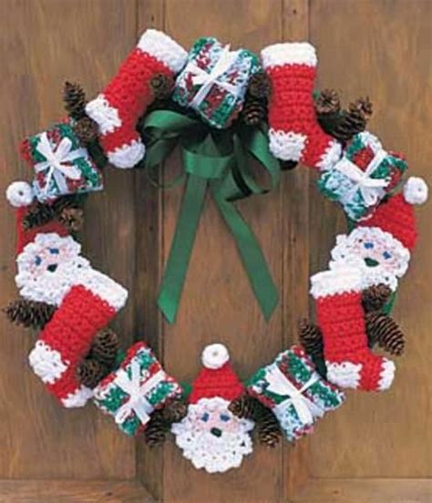 Attractive Easy Knitting Patterns For Christmas Stockings #6: Santa-Crochet-Wreath-Free-Pattern--550x641.jpg