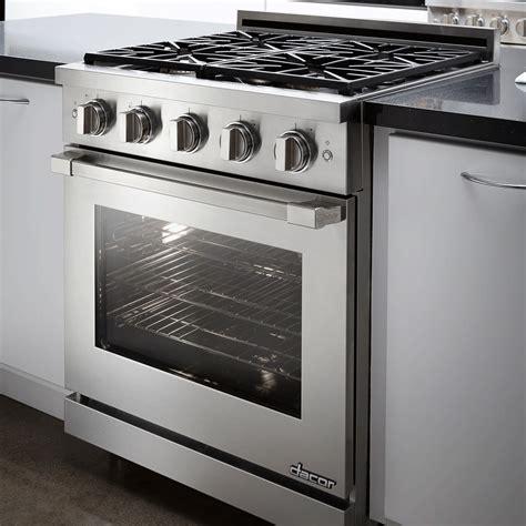 dacor renaissance cooktop dacor rnrp30gs lp h renaissance 30 quot gas range liquid