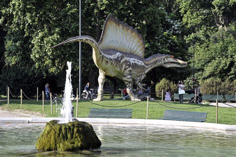 giardini palestro spinosauro in mostra ai giardini montanelli in