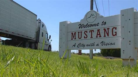 city of mustang no truck signs removed in okc news9
