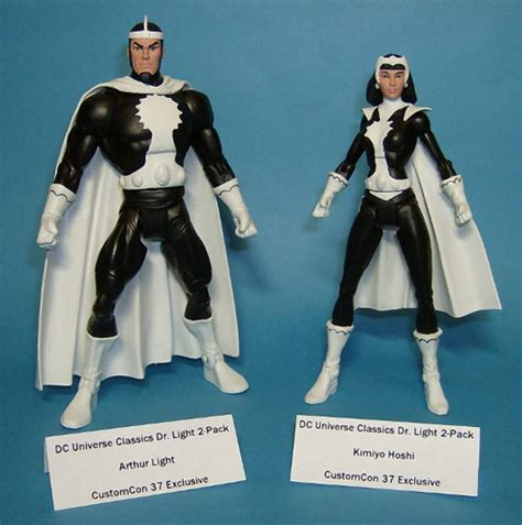 Dr Light Dc Comics by Dc Universe Classics Doctor Light 2 Pack