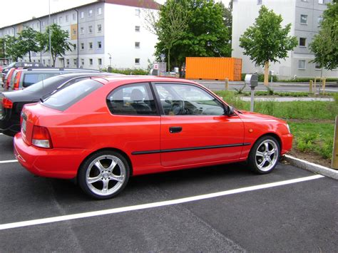Hyundai Accent 2000 by 2000 Hyundai Accent Information And Photos Zombiedrive