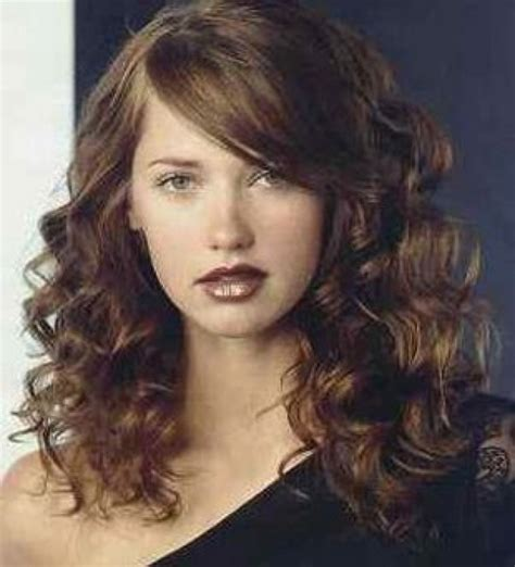 curly hairstyles with side bangs curly hairstyle with side bangs beauty pinterest