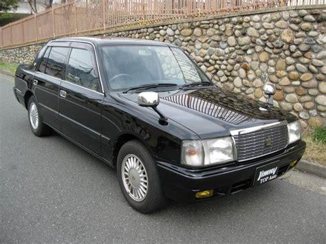 toyota crown comfort toyota crown comfort deluxe 1998 black 292 000 km