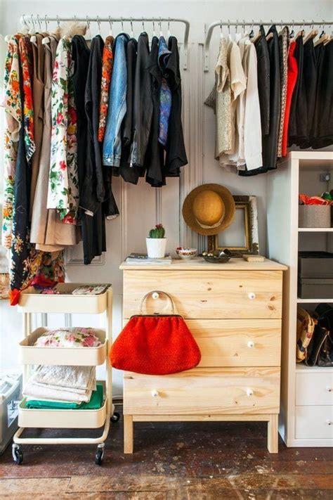 bedroom with no closet 25 best ideas about no closet on pinterest no closet