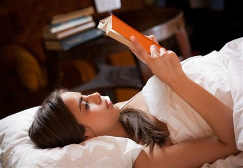 best reading ls for bed a student guide for sleeping between lectures partying