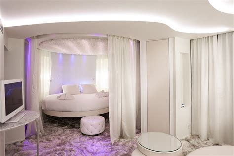 luxury hotels  resorts  awesome bedroom designs