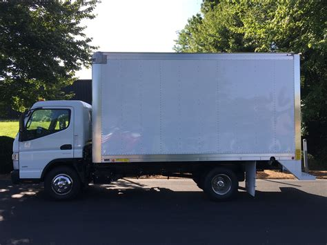 truck mitsubishi canter 2015 mitsubishi fuso canter fe130 box truck triad