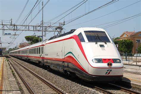 carrozza ferroviaria frecciabianca