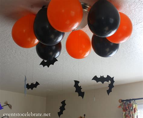 how to make balloon ghost halloween ceiling decorations ehow easy halloween party decorations events to celebrate