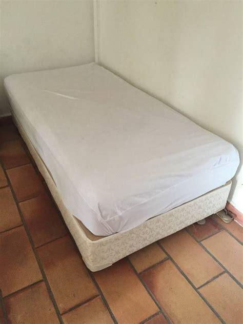petit lit matelas 90x200 annonce meubles et
