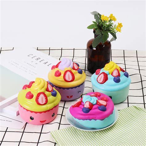 Leilei Cupcake leilei squishy emoji ijs strawberry fruit cup cake traag