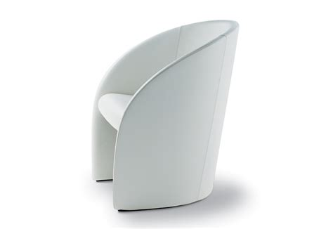 poltrona frau intervista intervista di poltrona frau poltrone chaise longue