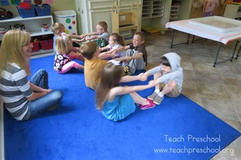 row your boat actions 15 fabulous fingerplays and facts teach preschool