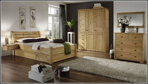 schlafzimmer massivholz komplett schlafzimmer komplett massivholz g 252 nstig schlafzimmer