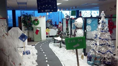 work christmas decorating ideas cubicle decorating contest honorable mentions also go to human resources emergency
