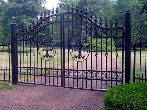 aluminum driveway gates custom designed and fabricated