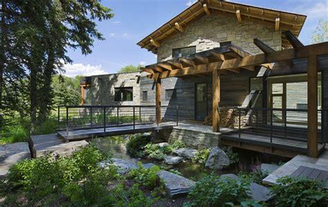 toin stone and wood house plans dise 241 o de casa de piedra fotos de fachada e interiores