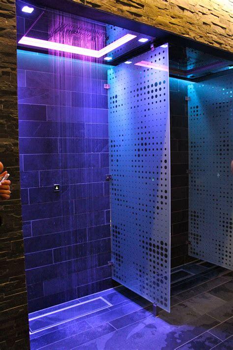 Fancy Shower by Lilia Gjerstad 187 The Thief Spa