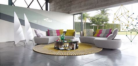 reportage rounded 4 seat sofa roche bobois