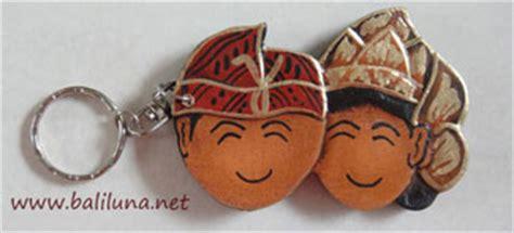 Gantungan Kunci Bali 92 souvenir pernikahan murah gantungan kunci 01 souvenir pernikahan murah khas bali