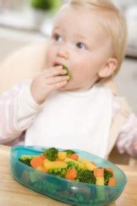 alimentacion  el bebe de  meses cuidado infantil