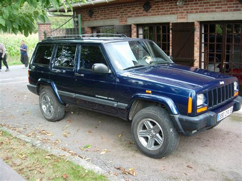 sport jeep cherokee jeep cherokee sport 2 5 td photos and comments www