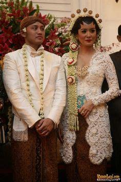 Baju Adat Jawa Nikah 1000 images about pernikahan adat jawa klasik modern on javanese wedding