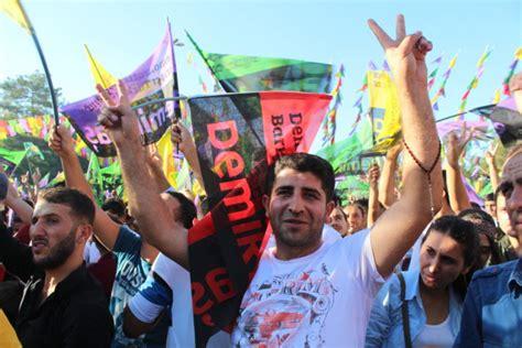 oproep aan wereldleiders aankaarten mensenrechtenschendingen in oproep betoging tegen dictatoriale bewind van erdoğan op