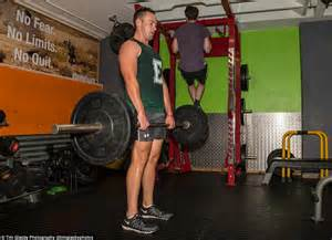 average bench press for men trainer to the stars steve kowalenko tries his luck on