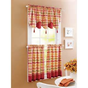 Plaid kitchen curtains1