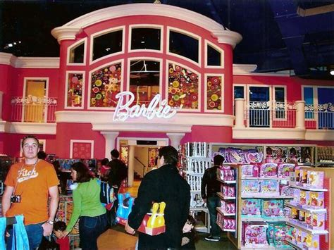 toys r us barbie dream house barbie s dream house toys r us times square nyc i have this very picture from my trip