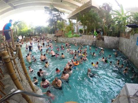 catch pool to 4 person hoop ride picture of center parcs
