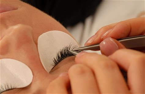 eyelash extensions how they last how to remove