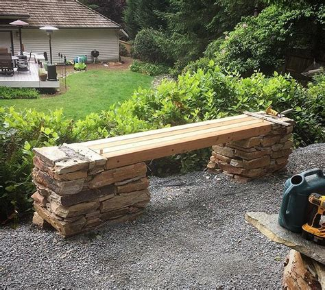 cedar log bench for the bus stop for the home pinterest best 25 cedar bench ideas on pinterest courtyard ideas courtyard design and small