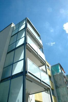 Balkon Sichtschutz Aus Glas by Ein Balkon Sichtschutz Aus Glas F 252 R Besonders Viel