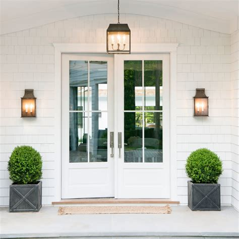 white house front door monochromatic entry 2016 htons showhouse sneak peek coastal living