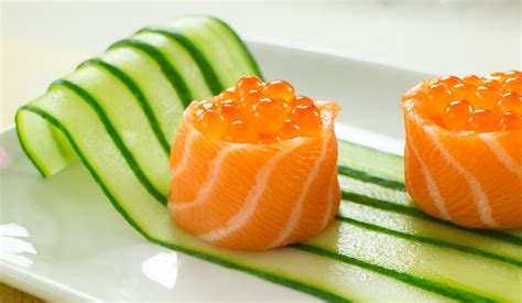 Decorating Quotes by Salmon Battleship Sushi Filled With Salmon Roe Recipe