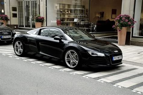 Audi R8 Schwarz by International Fast Cars Audi R8 Black