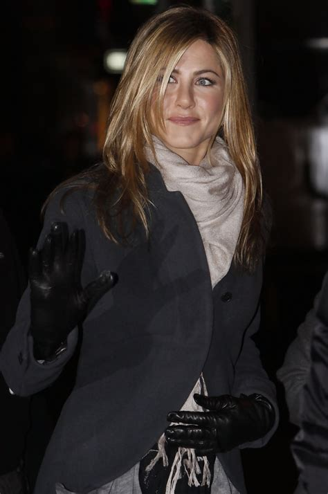 aniston pashmina aniston looks