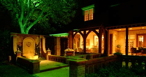 Lentz Landscape Lighting Lentz Landscape Lighting Outdoor Landscape Lighting We Light The Way You Live Our Expertly