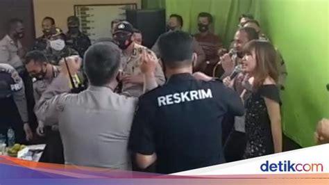 viral polisi dangdutan  polsek gondang tulungagung