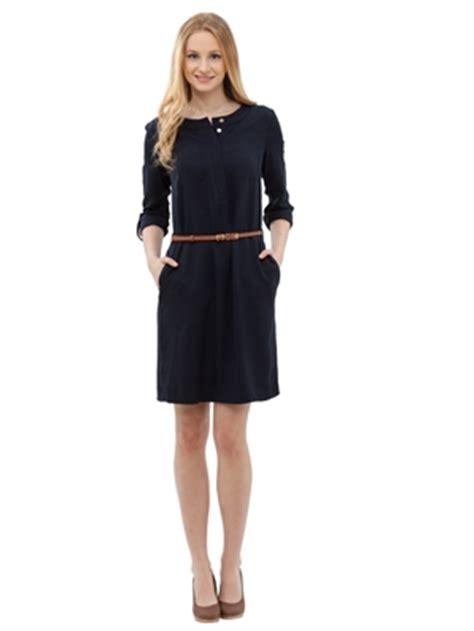 lc waikiki diz alti siyah elbise modelleri fiyati 19 90 tl pictures to lcwaikiki siyah uzun kollu dız ustu siyah elbisesi yeni