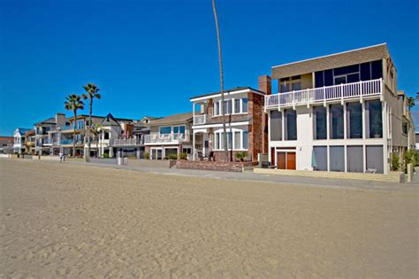 newport beachfront homes near huntington ca