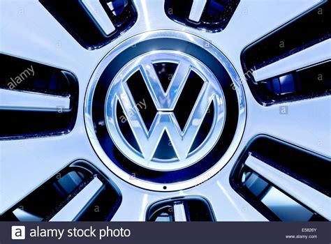 Auto Logo Vw by Volkswagen Car Logo Www Pixshark Images Galleries