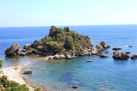 vacanze in sicilia vacanze in sicilia le spiagge di messina typical sicily