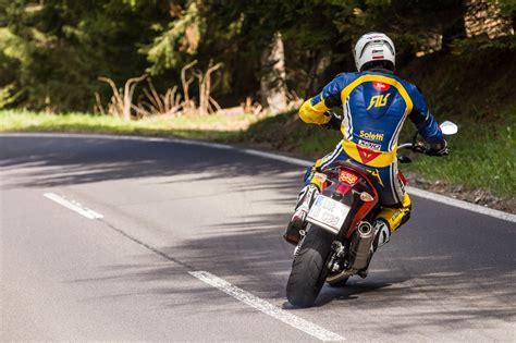 Motorrad Test Ktm 690 Duke by Motorrad Quartett Ktm 690 Duke Test Testbericht