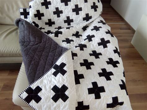 black and white cross quilt pattern plus quilt swiss crosses quilt black white quilt